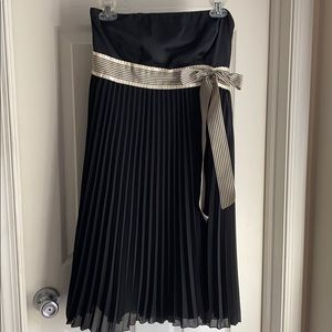Limited strapless dress